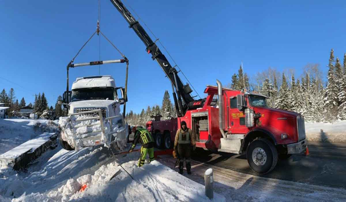 Heavy Duty Recovery And Cargo Services Heavy Recovery Ice Recovery